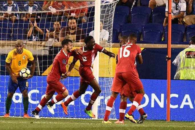 Alphonso Davies: Cậu bé Ghana di dân tỏa sáng ở Bundesliga - Ảnh 7.