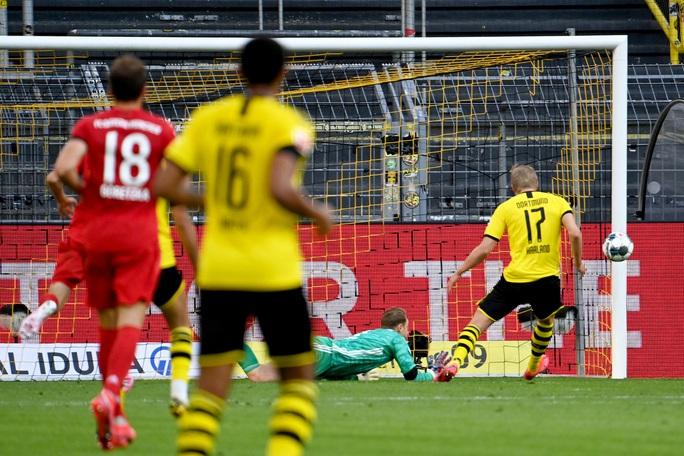 Kimmich lập siêu phẩm, Bayern Munich đè Dortmund ở siêu kinh điển - Ảnh 3.