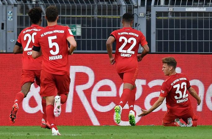 Kimmich lập siêu phẩm, Bayern Munich đè Dortmund ở siêu kinh điển - Ảnh 6.