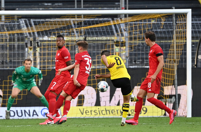 Kimmich lập siêu phẩm, Bayern Munich đè Dortmund ở siêu kinh điển - Ảnh 7.