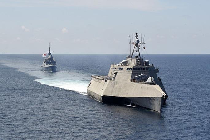 Mỹ-Singapore tập trận trên biển Đông - Ảnh 1.