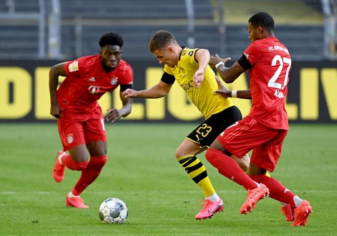 Kimmich lập siêu phẩm, Bayern Munich đè Dortmund ở siêu kinh điển - Ảnh 2.