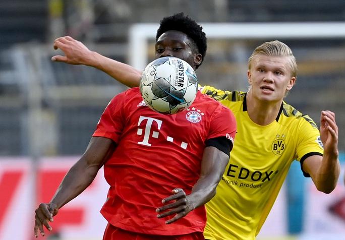 Alphonso Davies: Cậu bé Ghana di dân tỏa sáng ở Bundesliga - Ảnh 1.