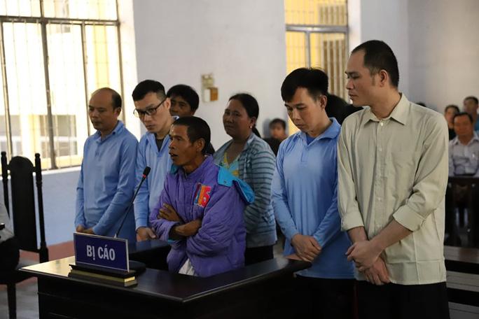 Nhiều cán bộ và người dân bắt tay chiếm đoạt tiền của dự án gần 3.000 tỉ đồng - Ảnh 3.