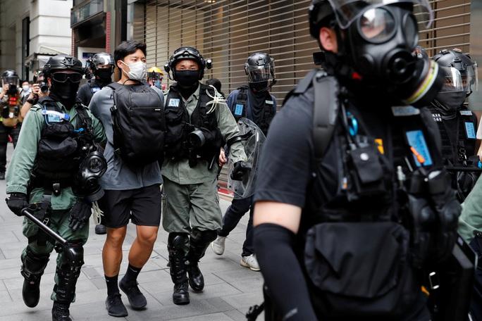 Nóng: Quyết định bước ngoặt của ngoại trưởng Mỹ về Hồng Kông - Ảnh 1.