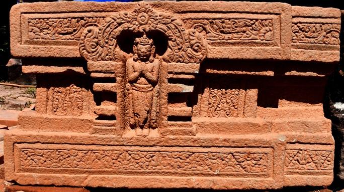 Quảng Nam: Phát hiện Linga-Yoni liền khối thế kỷ IX lớn nhất Việt Nam - Ảnh 1.