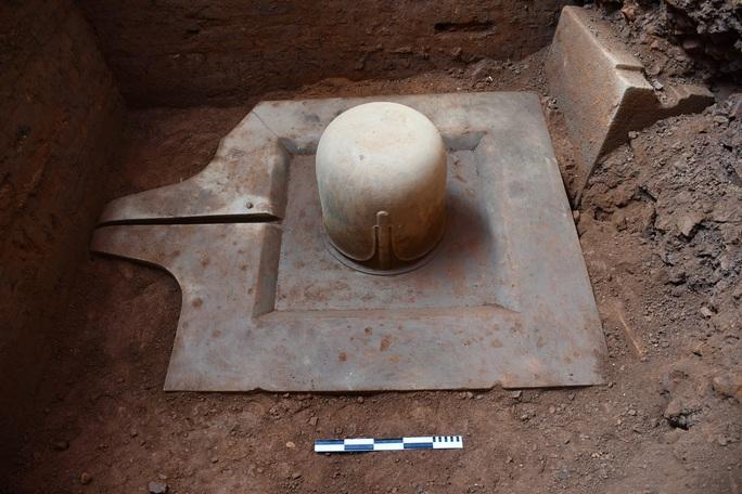 Quảng Nam: Phát hiện Linga-Yoni liền khối thế kỷ IX lớn nhất Việt Nam - Ảnh 2.