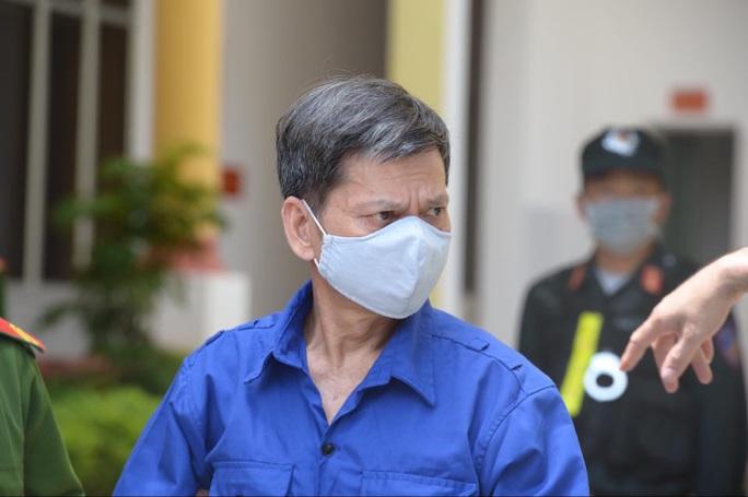 Tuyên án vụ gian lận điểm thi Sơn La: Nguyên trưởng phòng khảo thí nhận 21 năm tù - Ảnh 1.