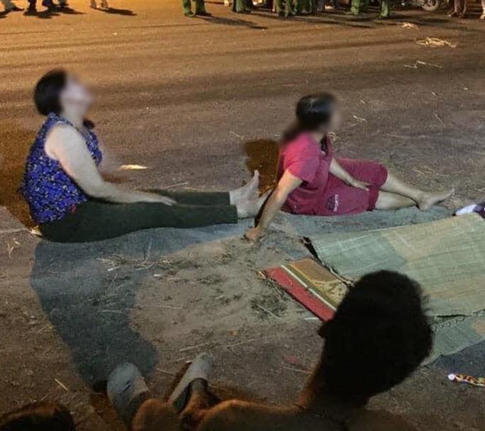 Bé trai 4 tuổi tử vong dưới hố ga không đậy nắp bên đường - Ảnh 1.