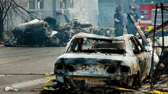 Mỹ: Bang Minnesota chìm trong hỗn loạn, thống đốc huy động Vệ binh Quốc gia - Ảnh 3.
