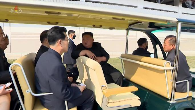 Hình ảnh mới về ông Kim Jong-un hé lộ điều gì? - Ảnh 6.
