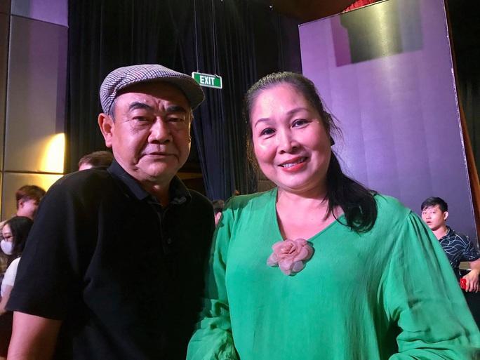 NSND Việt Anh chăm chút diễn viên trẻ tiếng nói sân khấu - Ảnh 1.