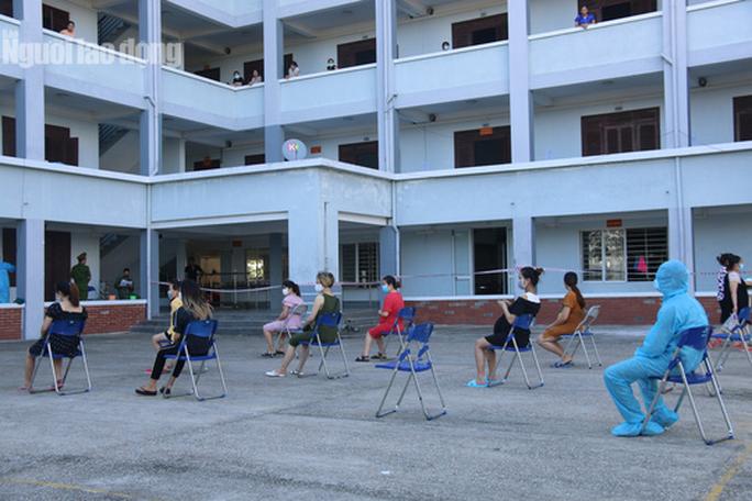 Nhịp sống bên trong khu cách ly 243 bà bầu ở Quảng Nam - Ảnh 2.