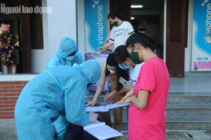 Nhịp sống bên trong khu cách ly 243 bà bầu ở Quảng Nam - Ảnh 4.