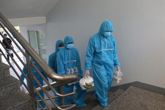 Sau 4 ngày xuất viện, nữ sinh mắc Covid-19 ở Quảng Nam dương tính trở lại - Ảnh 1.