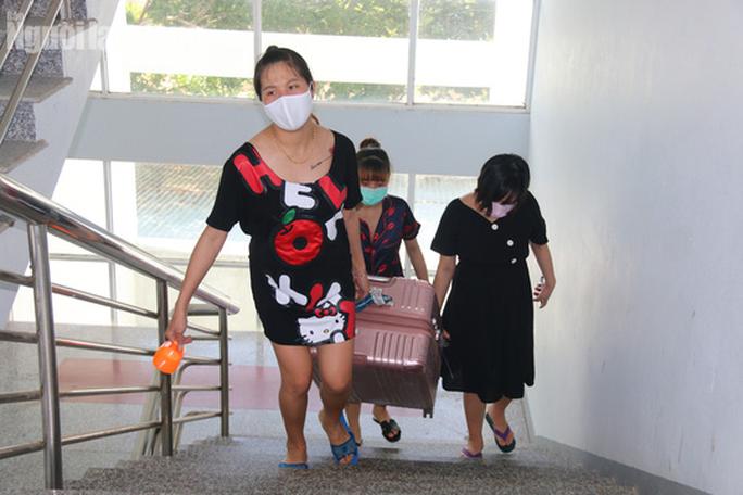 Nhịp sống bên trong khu cách ly 243 bà bầu ở Quảng Nam - Ảnh 8.