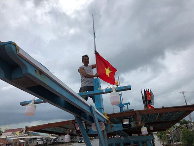 """""""Một triệu lá cờ Tổ quốc cùng ngư dân bám biển"""": Vươn khơi cùng cờ Tổ quốc - Ảnh 1."""