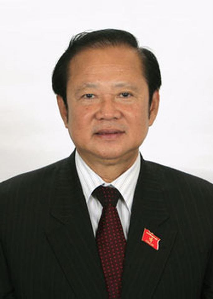 4-ĐBQH-Nguyễn-Việt-Thắng-(1)