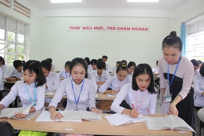 CLIP: Cô giáo trẻ ở Cà Mau tiết lộ lý do hát cải lương khi dạy truyện Kiều  - Ảnh 5.