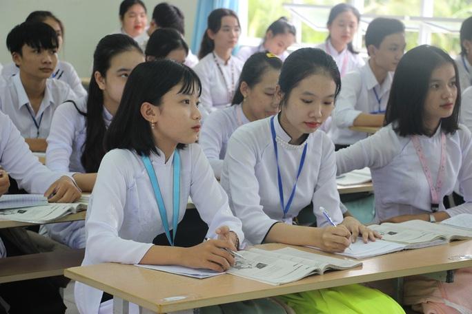 CLIP: Cô giáo trẻ ở Cà Mau tiết lộ lý do hát cải lương khi dạy truyện Kiều  - Ảnh 6.