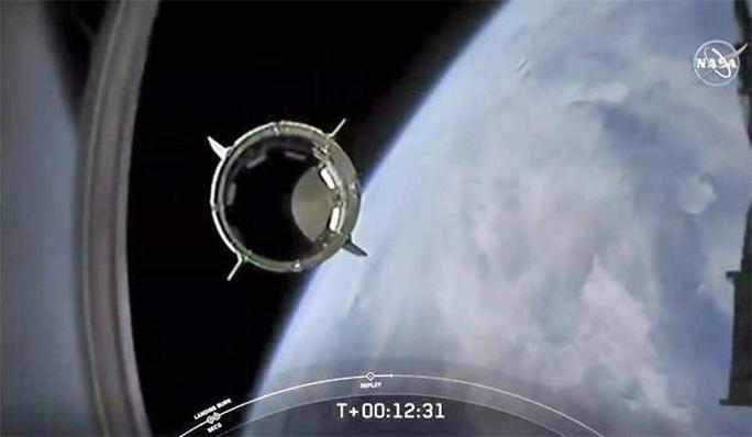 SpaceX đưa phi hành gia vào vũ trụ, Mỹ sắp thoát cảnh quá giang Nga? - Ảnh 4.