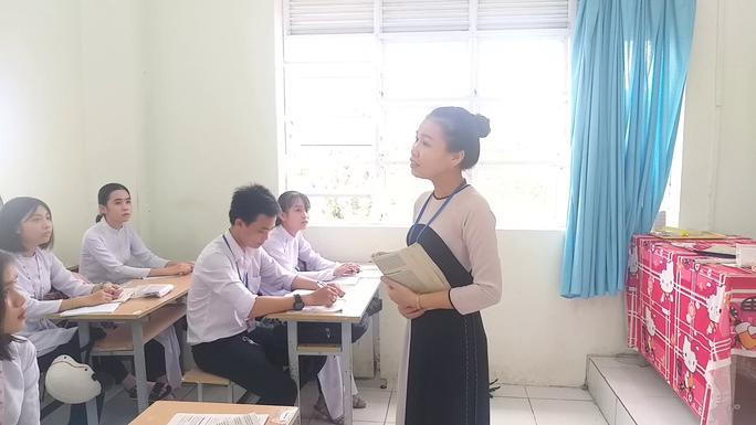 CLIP: Cô giáo trẻ ở Cà Mau tiết lộ lý do hát cải lương khi dạy truyện Kiều  - Ảnh 2.