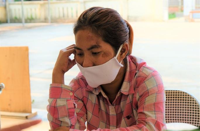 Người phụ nữ đi lạc cả ngàn km tới Thanh Hóa được Đại sứ quán Campuchia tiếp nhận - Ảnh 2.