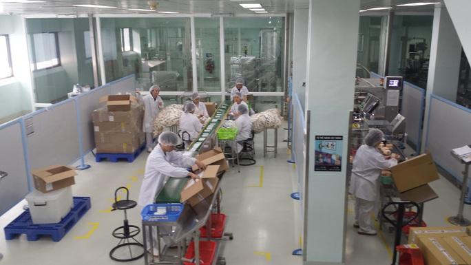 Nỗ lực làm việc trong mùa dịch Covid-19, công nhân Công ty CP Sanofi được thưởng 15% lương  - Ảnh 2.