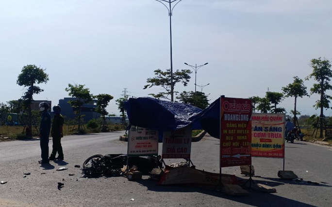 Nữ du khách bị xe tông tử vong - Ảnh 1.