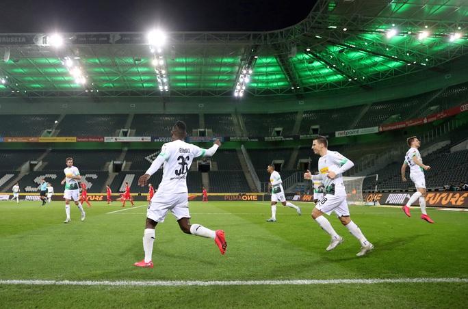 Mặc Covid-19, bóng đá Đức sẽ trở lại - Ảnh 1.