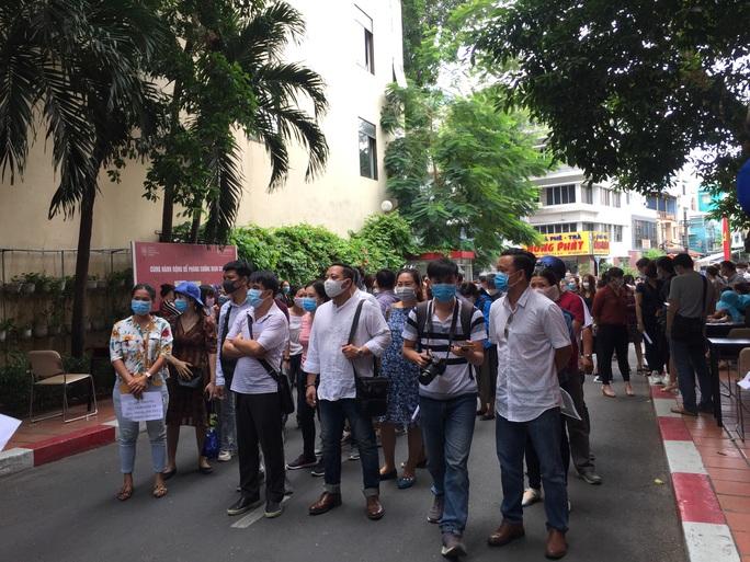 Trường Quốc tế Việt Úc giảm học phí, phụ huynh tiếp tục đề nghị làm rõ các khoản thu - Ảnh 1.