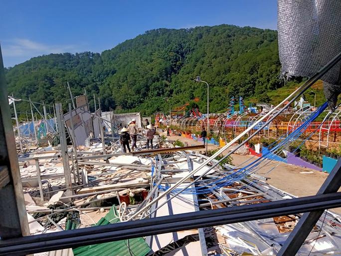 Cận cảnh tháo dỡ Khu du lịch Vườn thượng uyển bay chui ngay cửa ngõ Đà Lạt - Ảnh 1.