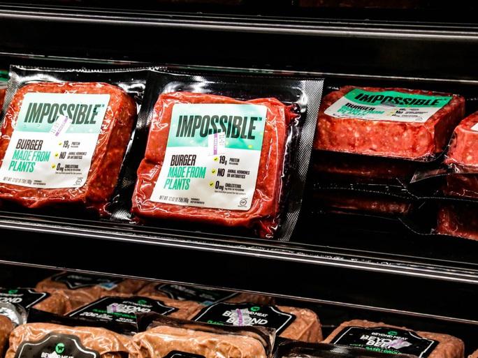 Người Mỹ dùng thịt thực vật khi chuỗi cung ứng thịt động vật bị sụp đổ - Ảnh 1.