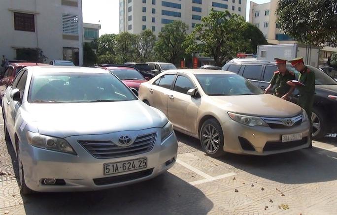 Phá đường dây nhập lậu xe sang Lexus 570, Range Rover, Mercedes từ Lào về nước - Ảnh 1.