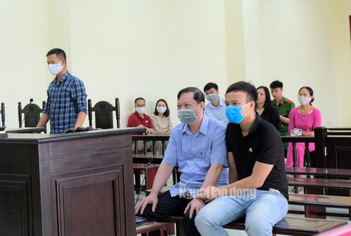 Cựu Trưởng Công an TP Thanh Hóa vắng mặt, bị lãnh 24 tháng tù - Ảnh 2.