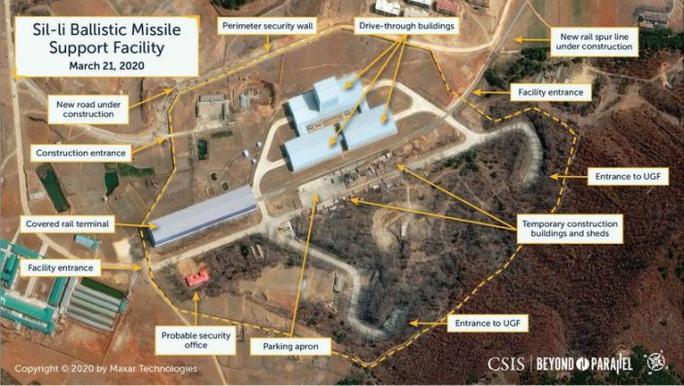 Triều Tiên xây cơ sở khổng lồ chứa tên lửa hạt nhân có thể tấn công Mỹ - Ảnh 2.