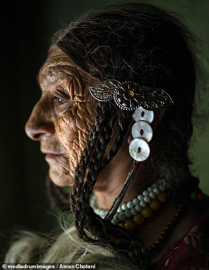 Thú vị loạt ảnh các bộ tộc độc đáo Ấn Độ - Ảnh 2.