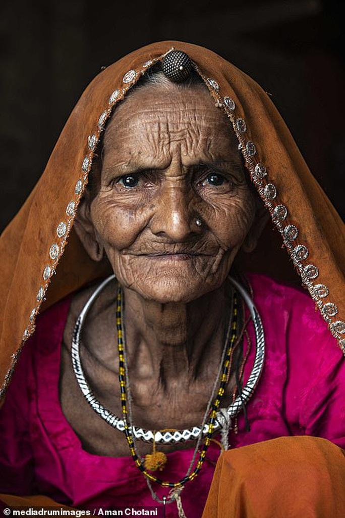 Thú vị loạt ảnh các bộ tộc độc đáo Ấn Độ - Ảnh 16.