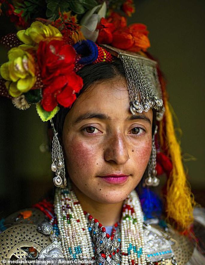 Thú vị loạt ảnh các bộ tộc độc đáo Ấn Độ - Ảnh 1.