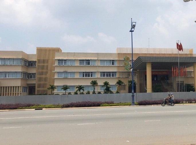 TP HCM: Nhiều vi phạm tại UBND huyện Bình Chánh - Ảnh 1.
