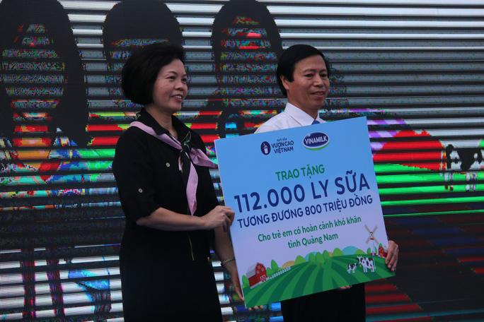 Phó Chủ tịch nước đem niềm vui cho trẻ em Quảng Nam nhân ngày Tết thiếu nhi - Ảnh 3.