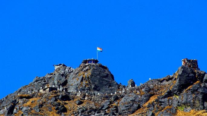 Ấn Độ - Trung Quốc và cuộc đối đầu ở độ cao 4,26 km - Ảnh 1.