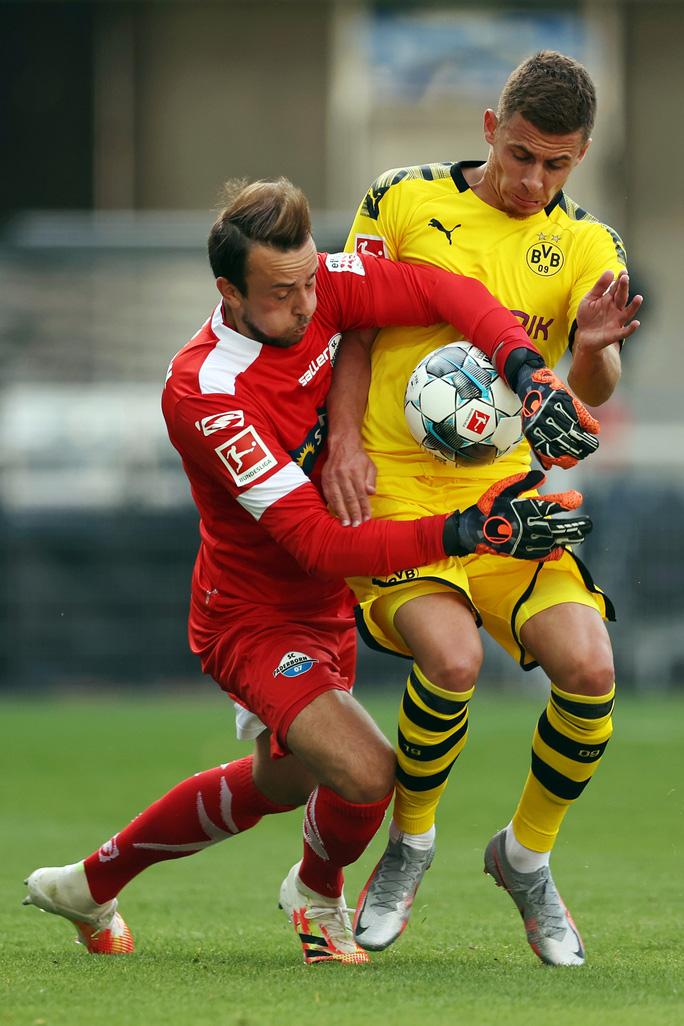Jadon Sancho: Siêu hat-trick và kỷ lục sao trẻ Dortmund - Ảnh 2.