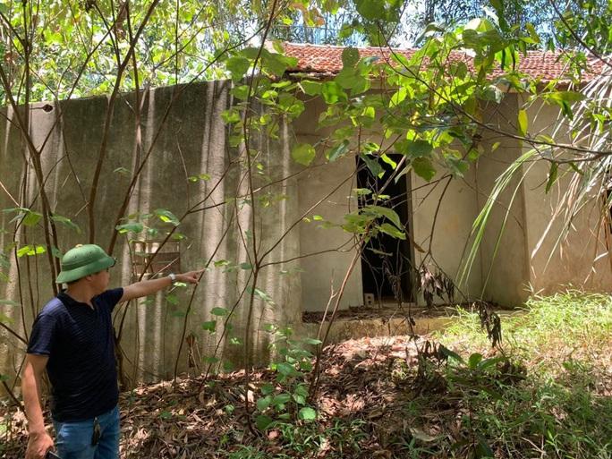 Thi thể cháu Đ. được phát hiện gần căn nhà hoang trong khu rừng
