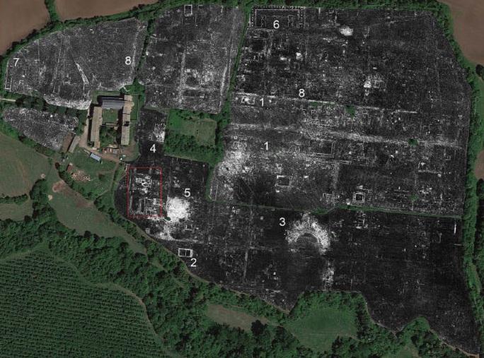 Quét radar, lộ diện hàng loạt bóng ma 1.800 tuổi bên dưới thành phố cổ - Ảnh 1.