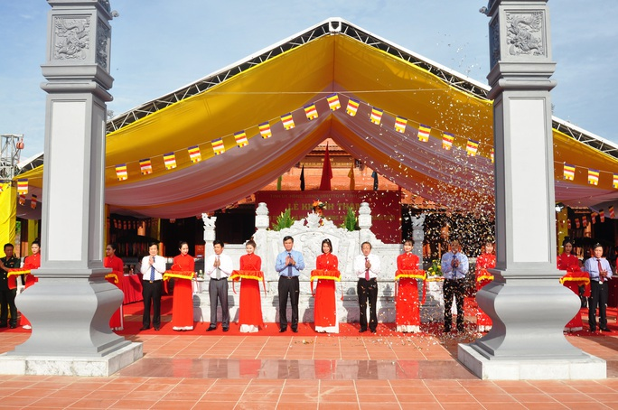 Khánh thành Đền thờ Bác Hồ và các Anh hùng liệt sĩ tỉnh Quảng Bình - Ảnh 1.