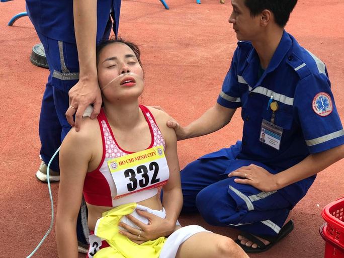 Chùm ảnh: Sốc nắng, nữ hoàng kiệt sức ở Cúp điền kinh Tốc độ  - Ảnh 6.