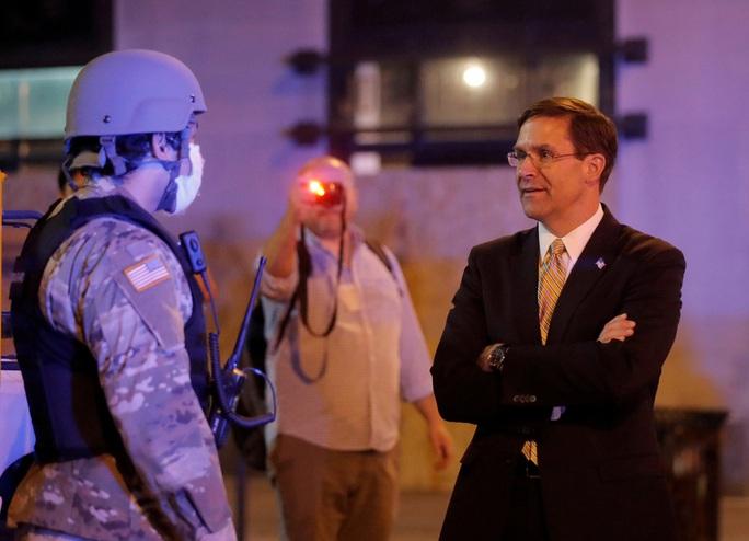 """Mỹ """"ngấm đòn"""" trước chiến thuật mạnh tay của Vệ binh quốc gia - Ảnh 2."""