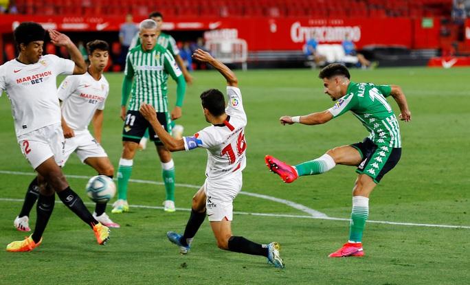 Ronaldo Argentina lập công, Sevilla thắng tưng bừng ngày La Liga trở lại - Ảnh 1.