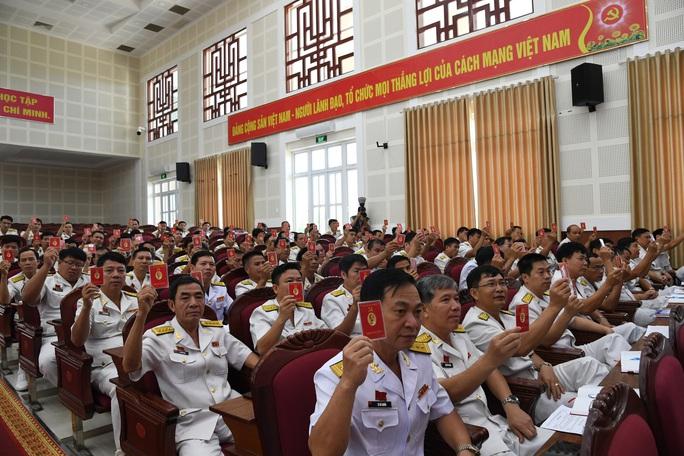 Bế mạc Đại hội đại biểu Đảng bộ Vùng 2 Hải quân  - Ảnh 3.